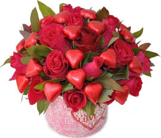 זר מתוק עם ורדים
