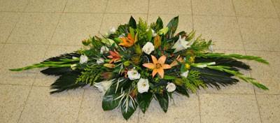 סידור פרחים מאורך ונמוך