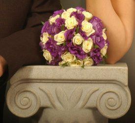 זר כלה ורדים וליזיאנטוס