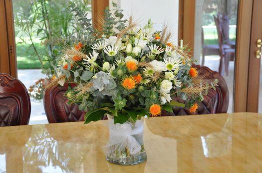 זר פרחים לשולחן