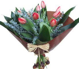 זר פרחים המעוצב מטוליפים