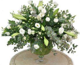 גביע פרחים לבן