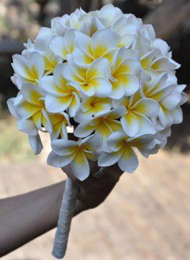 זר כלה בחדרה משלוחי פרחים