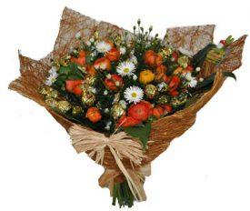 זר פרחים עם שוקולד