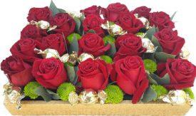 מגש ורדים ושוקולדים