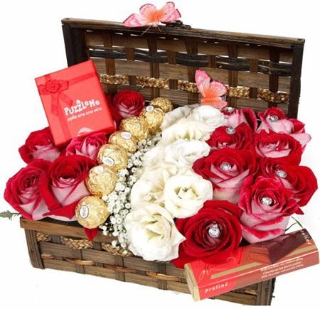 הפתעה בתיבה - שדה פרחים משלוחי פרחים